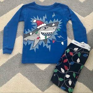 Baby Gap Shark Christmas pajamas size 3 years